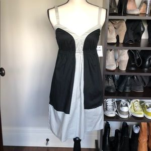 Sleeveless v-neck Dress Black and grey